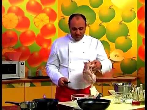Тушеная курица в помидорно-луковом соусе рецепт от шеф-повара  Илья Лазерсон  кавказская кухня