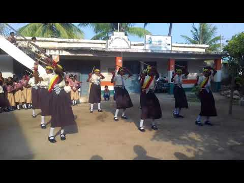 Kannada honnudi deviyanu poojisuve performance at karadakal school on ocassion Kannada rajyotsava