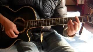 小野亜里沙さんの「Days」を1番のみギターで弾き語りました。また中途半...