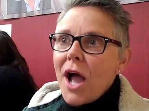 Amanda Bearse on directing off Broadway, Fright Night, Stranger Things