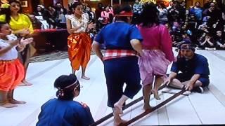Lao Kratob Mai Thai Dancing (3 of 4) at Fair Oaks Mall, VA