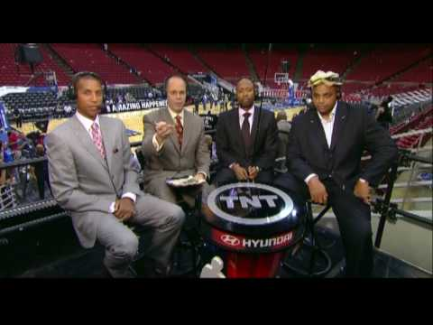 Charles Barkley Calls His Producer a P*ssy on Air