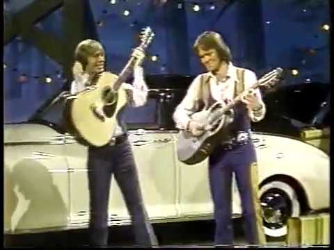 John Denver & Glen Campbell - Thank God I'm a Country Boy (1977) - Don't It Make You Want to Go Home Mp3