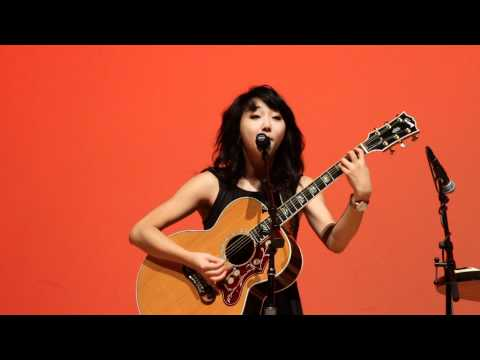 Clara Chung - Offbeat (live)