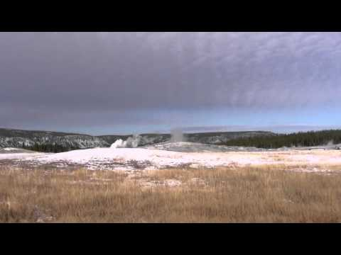 Old Faithful Geyser, Yellowstone National Park, Wyoming