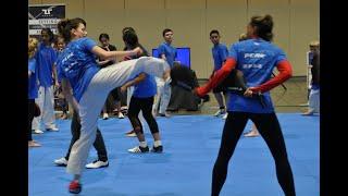 Taekwondo calentamiento divertido, trabajo técnico y sparring sin peto