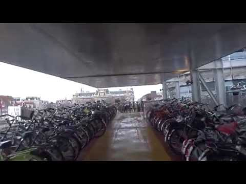 Bikecam Amsterdam: Fietsflat Zuidzijde Centraal Station
