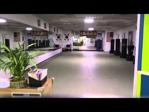 A Martial Arts School Inside a Mall! - Golf Mill Mall - Niles, IL