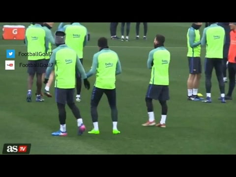 Lionel Messi  Luis Suarez laughing about Neymar's dance in Barcelona training 2017 - New 1018