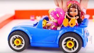 Видео для детей про игрушечные машинки и куклы. Показ платьев