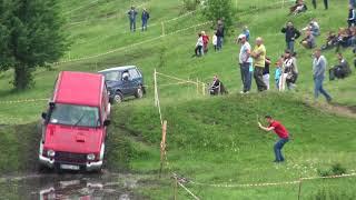 Оооочень жесткие Прилуки-пытались опрокинуть кучу машин,а некоторые опрокинули off-road 4x4