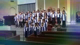 "Gabungan siswa Methodist 5 medan lagu Mandarin ""You Yi Tian"""