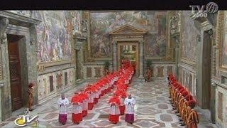 Conclave, la processione dei cardinali dalla cappella Paolina alla Sistina