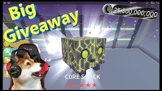 pet giveaway picking the more live chater person Roblox Pet simulator come join me!!!
