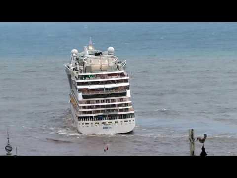 AIDAblu sai da Madeira depois do temporal