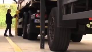 احدى سائقات الشاحنات في ألمانيا