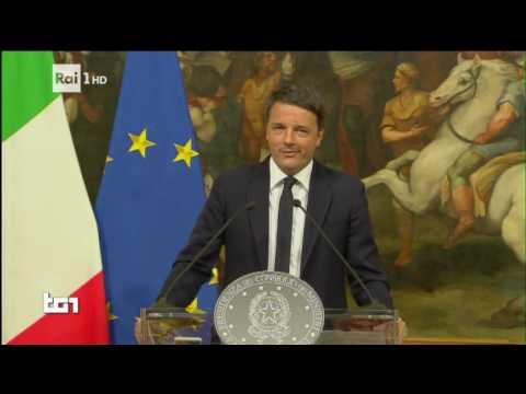 """Referendum, Matteo Renzi: """"Ho perso. Mi dimetto"""" - Porta a Porta"""