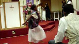 Praise Dance Walk into your Season Donald Lawrence.mov
