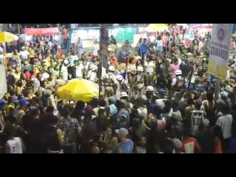 Mulher é baleada no circuito da Micareta de Feira 2017