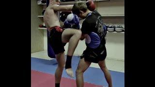 Тайский бокс для начинающих - Наработка смертельных коленей
