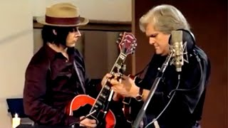 Смотреть клип The Raconteurs - Old Enough Featuring Ricky Skaggs And Ashley Monroe