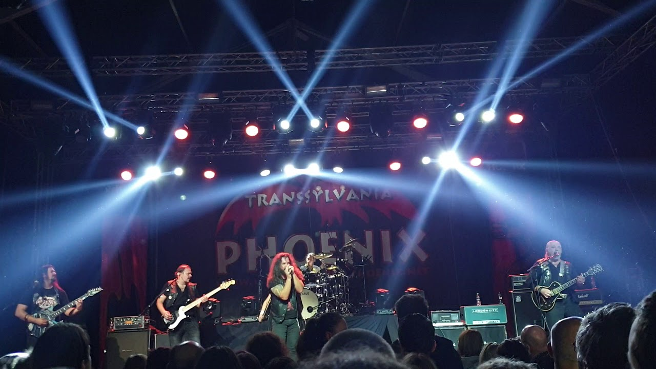 Phoenix Live