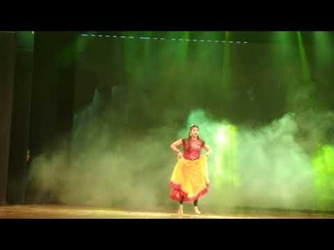 18 Baras Ki Kawari Kali Thi  (From Siddarth college show)