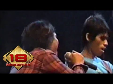 Caffeine - Bayangkan  (Live Konser Banjarmasin 18 Agustus 2006)