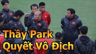 Thử Thách Bóng Đá đi xem HLV Park Hang Seo , Quang Hải , Công Phượng ĐT Việt Nam VS Malaysia AFF CUP