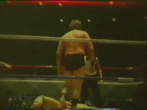 Bill Dundee, Tommy Gilbert, Tommy Rich vs David Schultz, Bill Ash, Gorgeous George Jr (12-12-76)