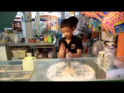 Fried ice cream review at Ayuthaya Park, Thailand.