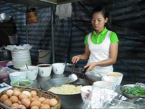 Pad Thai Goong – Thai Street Food