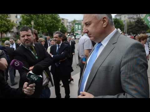 Semjén Zsolt kormányfő-helyettes nyilatkozik a sajtónak a zilahi RMDSZ-kongresszuson