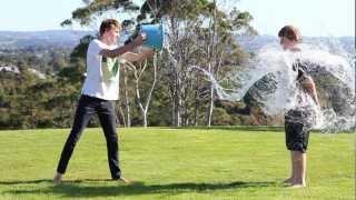 Super-Slow Motion Bucket Throw [60D Twixtor]