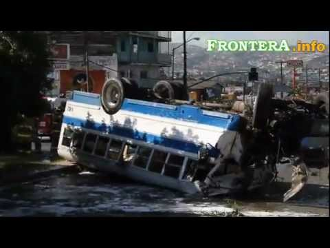 Tijuana camion azul y blanco cogiendo - 1 7