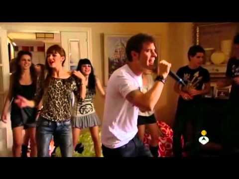 David canta Solo quiero bailar (Física o Química)