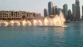 Dubai Mall Gece su gösterisi Fountain Show at Dubai Night