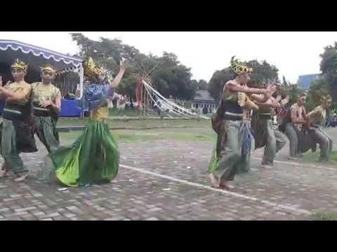 Tari Sandekala Kabayan Polban
