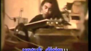 Download Deddy Dores & Ella - Mendung Tak Bererti Hujan