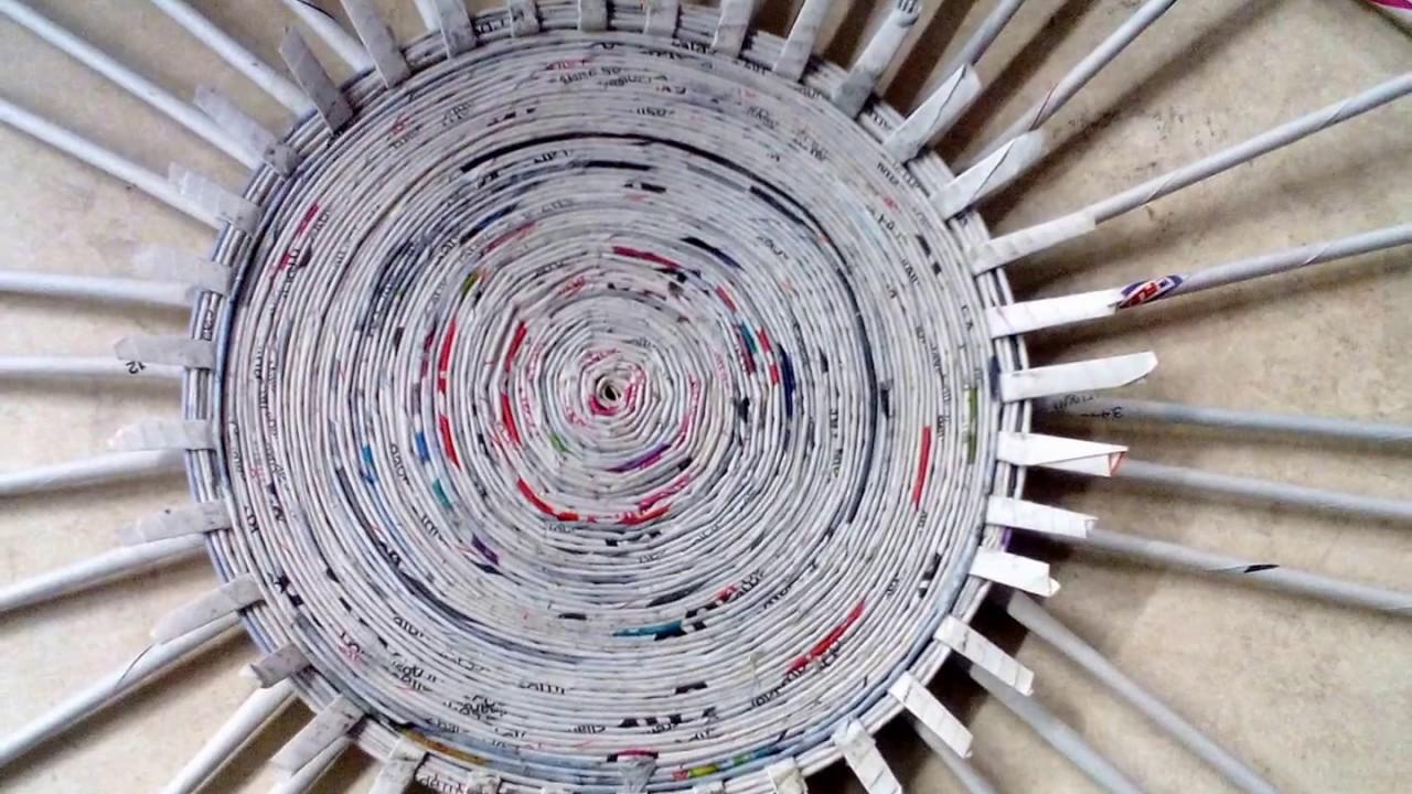 Como hacer una cesta de papel periodico o revista creacientos con mila youtube - Hacer cestas con papel de periodico ...