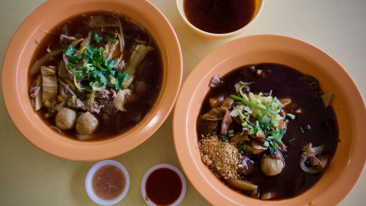Eating the legendary HOCK LAM BEEF NOODLES!