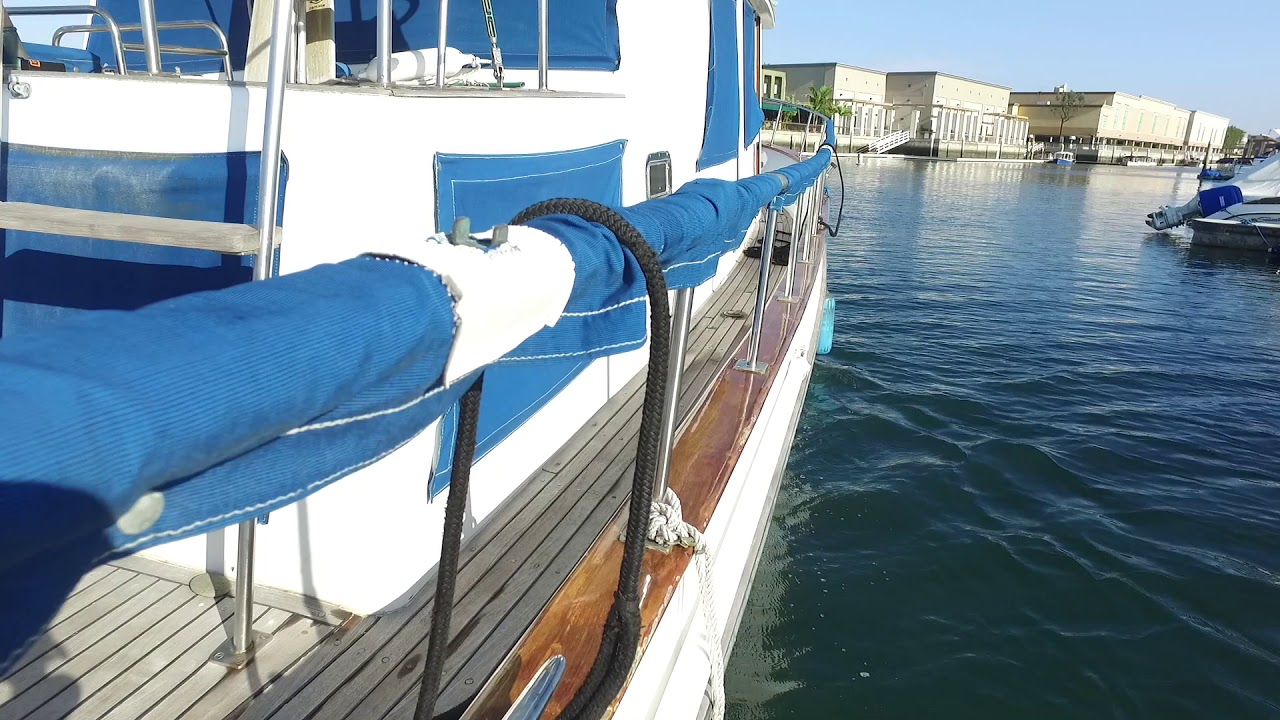 Onshore wind docking singlehanded part 3 with single engine inboard