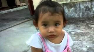 Download Video Laura Kencing di Celana MP3 3GP MP4