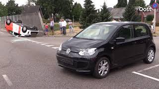 Auto over de kop in Rijssen