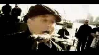Dropkick Murphys - I´m shipping up to Boston (with Lyrics)