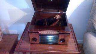 RCA phonograph demo with idler repaired with friction tape