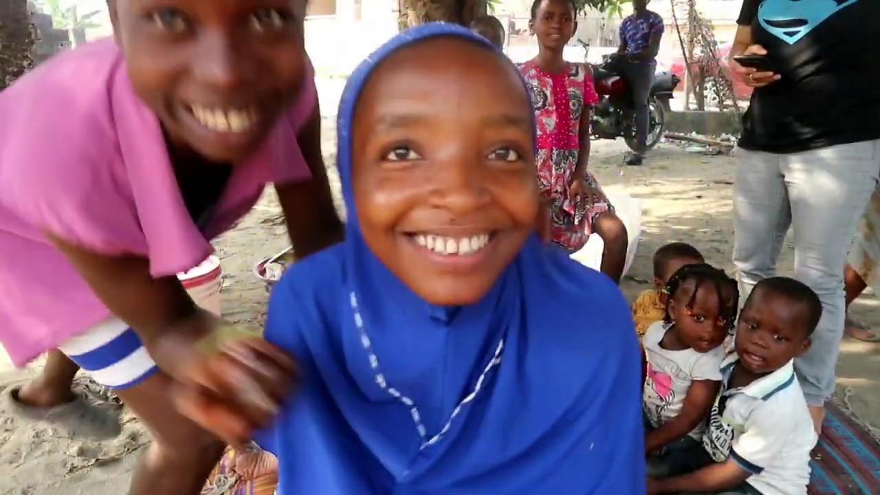 JADI BEGINI RASANYA KUMPUL DENGAN TEMAN AFRIKA, MAKAN KUE ULANG TAHUN DARI SUBSCRIBER INDONESIA