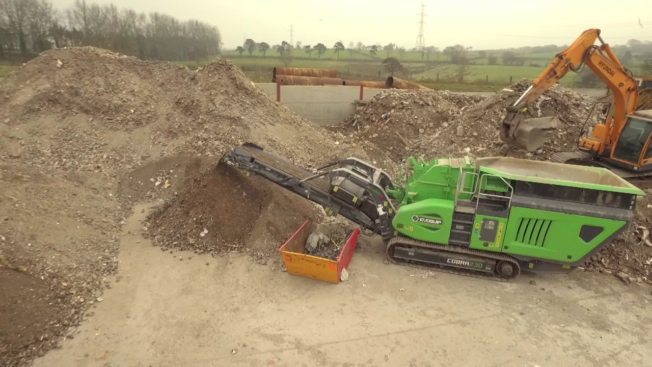 Cobra 230, Impact Crusher, C&D Skip Waste 1