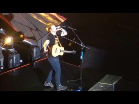 Ed Sheeran - Shape Of You @ The O2 Arena, London 03/05/17