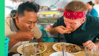 Local Malaysian Feast! - Asking Malay Taxi Drivers Where to Ea…